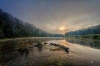 Утро на реке Ай