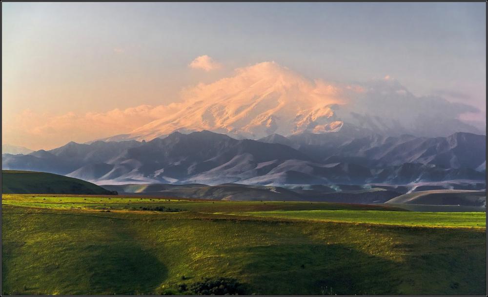 Перевал Гум-Баши, Эльбрус, рассвет.